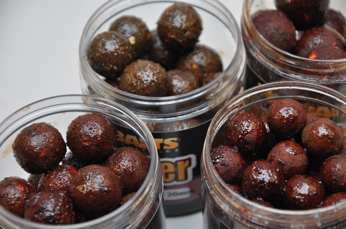 /produkty/66/boiles-potapave/Mikbaits/Boilies-v-dipe-Gangster