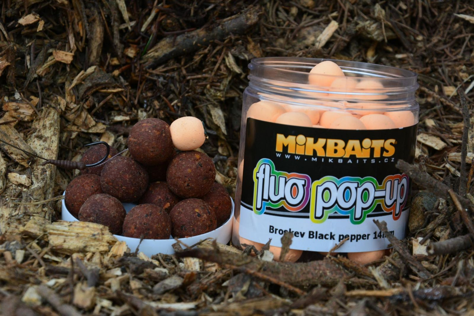 /produkty/67/bolies-plavajuce/Mikbaits/Pop-Up-BigB-Broskyna-Black-Pepper